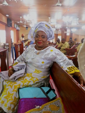 Chief (Mrs.) Oludemi, mother of the bride