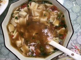 Wheat noodle stew with yak meat
